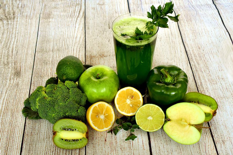 smoothie juice and fruits